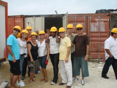 20110228195321-colegas-con-cascos.jpg