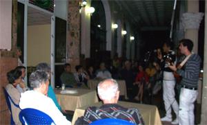 20121130220608-homenaje-a-quirino-1.jpg